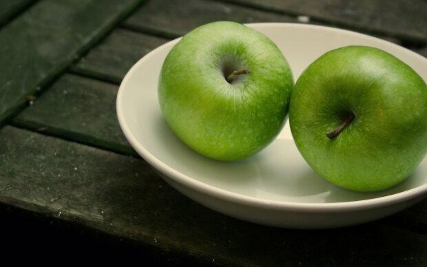 Способствуют Ли Зеленые Яблоки Похудению. Почему можно и нужно есть яблоки при похудении?